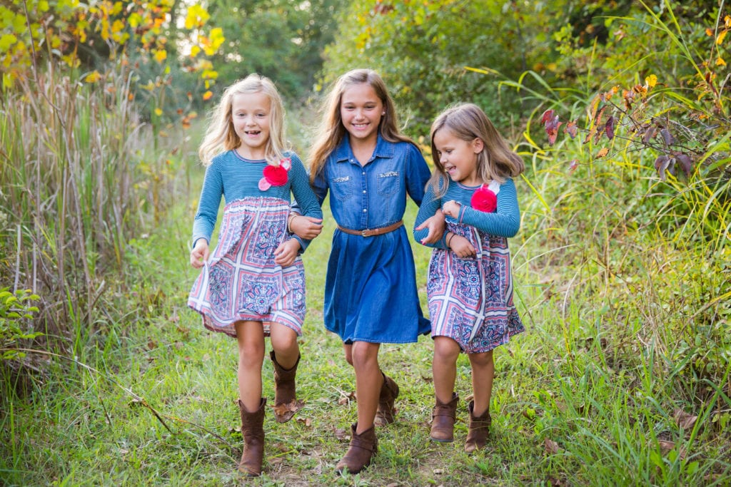 Family Photographer Rachael Ice Photography Sisters Color
