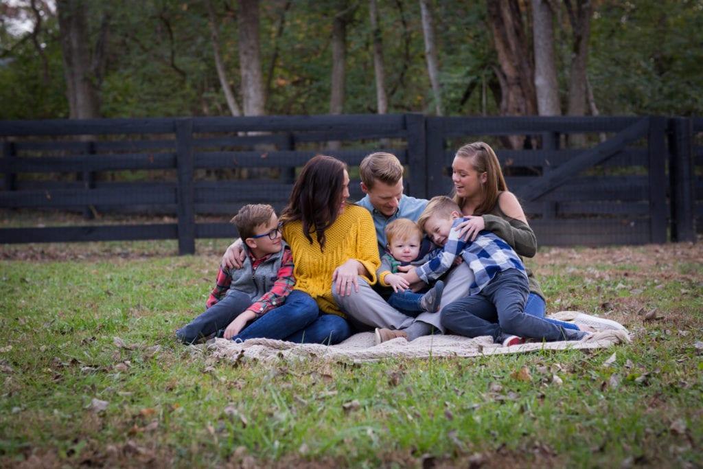 Family_RachaelIcePhotography_familycuddles