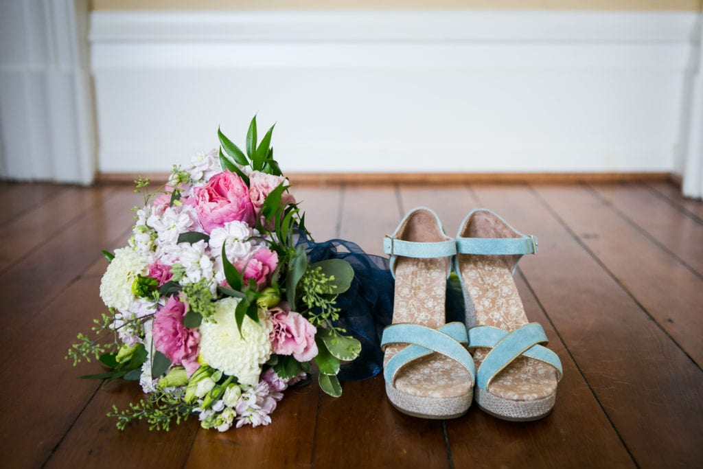 Wedding_RachaelIcePhotography_July_weddingshoesandflowers